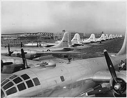 Boeing B-29 Superfortress Go to War Vol 1 DVD + Pilot's Manual
